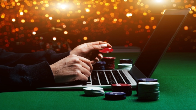 Why Should UK Online Casino Players Play On Mobile? MassTamilan Tv